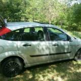 Ford focus an 2001. gri metalizat, Benzina, 189500 km, 1600 cmc