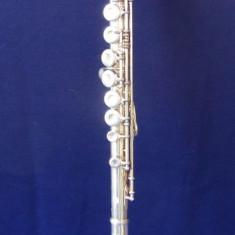 Vand flaut din argint