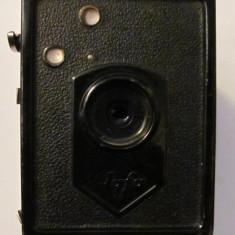 PVM - Aparat foto vechi cu film de colectie