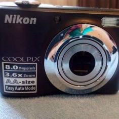 Vând Nikon Coolpix 8 MP, accesorii incluse - Aparate Foto cu Film