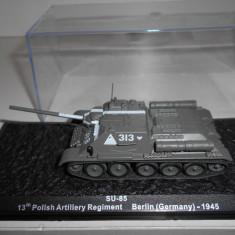 Macheta tanc SU-85 Berlin - 1945 scara 1:72 - Macheta auto