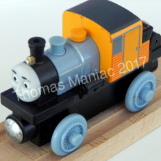 Thomas and Friends ✯ Wooden Railway ✯ BASH ✯ Magnetic Train ✯ 2012 - Trenulet, Locomotive