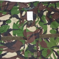 Costum/Tinuta Armata de camuflaj/ristop