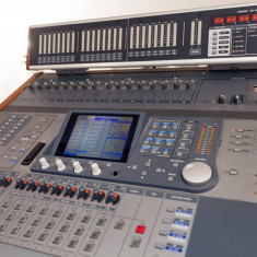 Lichidare studio audio - Mixer DM-3200 cu meterbridge si placa firewire - Mixer audio Altele