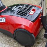 Bubble machine - Aspirator cu sac AEG, 700 W