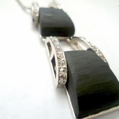 Colier-Lantisor+pandantiv placat cu aur 18k ,rashina neagra aplicat cu Swarovski