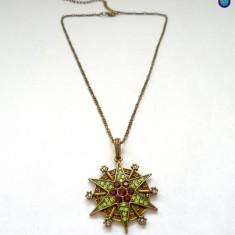 Colier fashion cu cristale swarovski - lantisor si pandantiv