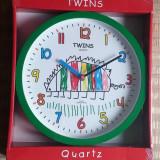Ceas de perete TWINS Quartz pentru camera copii