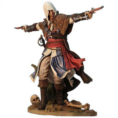 Edward Kenway, Assasinss Pirate - Statueta 24 cm