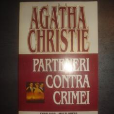 AGATHA CHRISTIE - PARTENERI CONTRA CRIMEI - Carte politiste