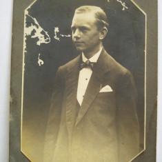 Fotografie veche alb-negru, portret barbat, sf. sec. XIX-inceput sec. XX, Portrete, Europa