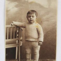 Fotografie veche, inceput sec. XX, atelier Szenetra, Timisoara, portret copil, Alb-Negru, Portrete, Romania 1900 - 1950