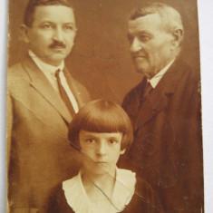 Fotografie veche, anii 1900, posibil fotograf Pottok Sandor, Budapesta, familie, Sepia, Portrete, Europa