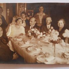 Fotografie veche de nunta, tip carte postala, nesemnata, Sepia, Sarbatori, Romania 1900 - 1950