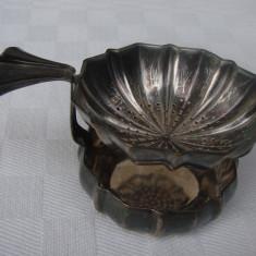 Strecurtor argintat din perioada anilor 1930, Ornamentale