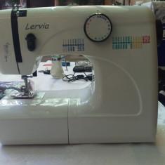 Masina de cusut Larvia