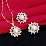 Set stelute , perle si cristale placat aur 18k