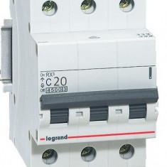 Disjunctor 419709 3P/C/20A/4.5KA - Tablou electric si siguranta