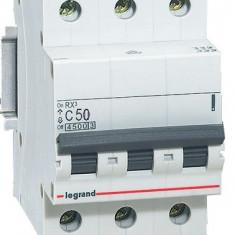 Disjunctor 419713 3P/C/50A/4.5KA - Tablou electric si siguranta