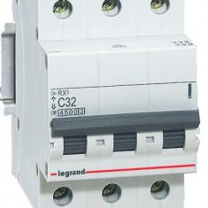 Disjunctor 419711 3P/C/32A/4.5KA - Tablou electric si siguranta