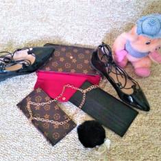 Mini poseta + portofel + port card + balerini - Geanta Dama Louis Vuitton, Culoare: Negru, Marime: One size