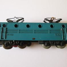 Locomotiva electrica franceza 12 Volti Jouef BB-9004 H0 model 1954, lungime=15 cm - Macheta Feroviara Jouef, 1:100, H0 - 1:87, Locomotive