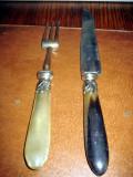 Set tacamuri vechi fripturi metal manere onix.