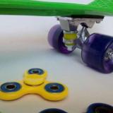 Skateboard/Pennyboard 56 cm roti silicon portocaliu/verde/albastru+SPINNER CADOU, Marime: 50