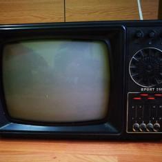 Televizor Sport 251. Televizor vechi, alb-negru. - Televizor CRT