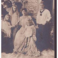 Carte postala ilustrata, Regina Maria, Printesa Elisabeta, Maria, Printul Nicolae si Carol - Harta Europei