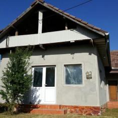 Casa si teren in Runcu