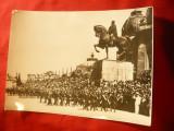 Fotografie Defilare Militara in fata Statuii lui Carol I -Copie ,dim.=18x13 cm