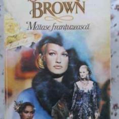Matase Frantuzeasca - Sandra Brown, 403304 - Roman dragoste