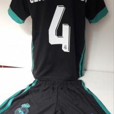 Echipament fotbal pentru copii Real Madrid Sergio Ramos negru marimea 104-116, Marime: Alta