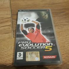 Joc playstation portable psp PRO EVOLUTION SOCCER 05. - Jocuri PSP Ea Sports, Sporturi, Toate varstele, Single player