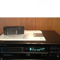 CD Player ONKYO DX-7011 R1 cu telecomanda/Optical Digital Output - Impecabil