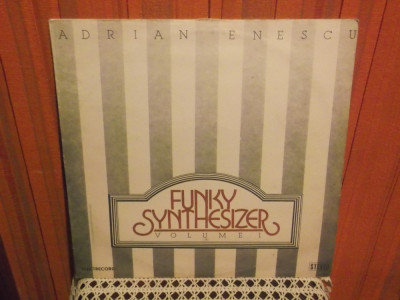 -Y- ADRIAN ENESCU - FUNKY SYNTHESIZER VOLUME 1  DISC VINIL LP ( INV.2 ) foto