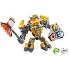 Lego Nexo Knights Costum de lupta - Axl 7-14 ani (70365)