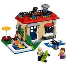Lego Creator Vacanta la piscina 7-12 ani (31067)