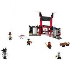 Lego Ninjago Evadarea din inchisoarea Kryptarium 6-14 ani
