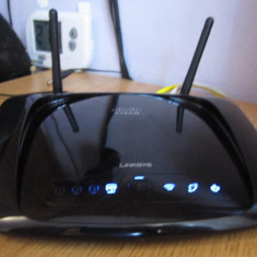 ROUTER LINKSYS WIRELESS-N WRT160NL 300MBPS CU STOCARE IMPECABIL - Router wireless Linksys, Port USB, Porturi LAN: 4, Porturi WAN: 1