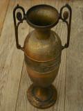 SUPERBĂ! VAZĂ F. ÎNALTĂ ȘI VECHE (1920) CONFECȚIONATĂ DIN ALAMĂ - STIL ART DECO!, Vase
