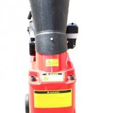 Tocator de crengi si tulpini 5.5HP HOBBY - Aspirator/Tocator frunze