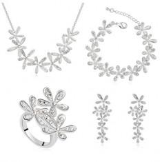 Set bijuterii Exquisite Silver Flowers - Set Swarovski