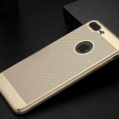 Husa Metallic Mesh Samsung Galaxy A7 (2017) GOLD