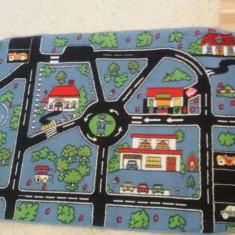Mocheta ovala camera copii