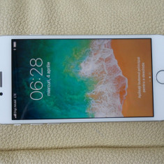 Iphone 8 64 gb, ca si nou, liber retea - Telefon iPhone Apple, Argintiu, Neblocat
