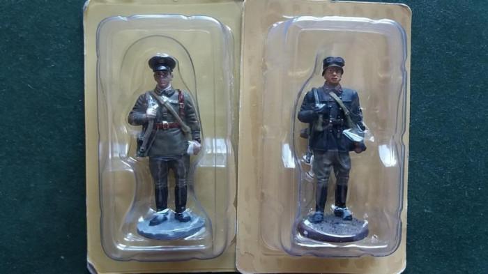 B.Set 2 soldati ARMATA ROSIE