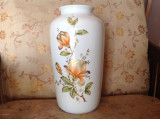 Deosebita vaza vintage, portelan fin Kaiser pictat manual