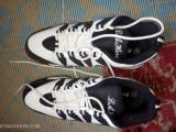 Încălțăminte (adidași) marca L.A. Hero,noi, mărimea 43,culoare alb/negru, Multicolor, Adidas